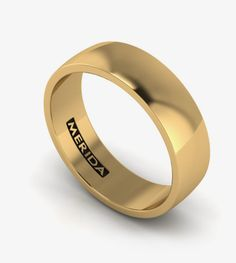 Men's solid wedding band in yellow gold