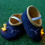 35 patterns for baby shoes in fabric, felt, knit & crochet