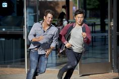 """The Librarians """"And the Rise of Chaos"""" S3EP1"""