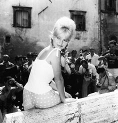 Brigitte Bardot in Spoleto, June 1961.- link images from Italy's cinematic hayday.