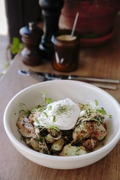 Nothing says breakfast like poached eggs and salmon. The Breakfast Club, Best Breakfast, Poached Eggs, Recipe Of The Day, Potato Salad, Salmon, Food And Drink, Restaurant, Meals