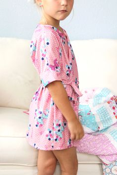 free raglan kids robe pattern - perfectly comfortable in every way.