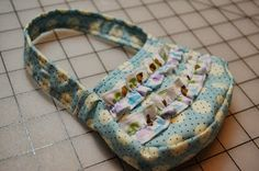 """Free purse pattern for 18"""" doll."""