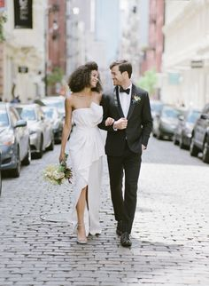 Modern NYC wedding inspiration: Photography: KT Merry - https://www.ktmerry.com/