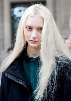 bleach blonde hair that i will never achieve :'(