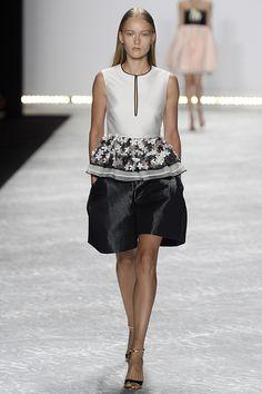 2015 NEW YORK RUNWAY | New York Fashion Week: Monique Lhuillier Spring/Summer 2015