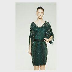 Uma única peça que se resume em Sofisticação, Glamour, Estilo e Puro Luxo!  Vestido Modelo Kaftan todo Bordado a mão   ♡ #handmade   Whatsapp 43 9148-2241   ☎  43 3254-5125    Rua Rio Grande do Norte, 19 Centro - Cambé-Pr    #venhaseapaixonar #euqueroo  #deslumbrante #bordados #luxo #glamour #fashion #festa #lançamento #formatura #casamento #15anos #desejododia #details #vestidodossonhos #vestidodefesta #vestidodeuso