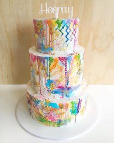 'Art Attack' cake by @ivyandstonecakedesign! #membershare #cake