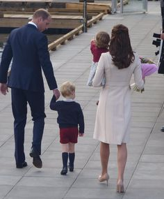 Bye Canada!!!-The End of The Royal Tour. William, Kate, George and Charlotte are leaving Canada and returning back to London.