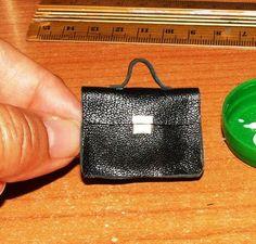 AligraDolls: Tutorial: Briefcase or portfolio bag