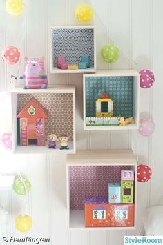 mommo design: GIRLY DIY including these wall boxes, store age toy chests and butterfly garlands. Deco Kids, Wall Boxes, Diy Home Decor Bedroom, Home And Deco, Little Girl Rooms, Kid Spaces, Kids Decor, Wall Decor Kids Room, Girls Bedroom