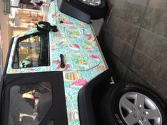 Wow! My two favorite things: a Jeep and Lilly Pulitzer!