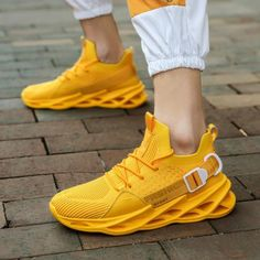 Men's Fashion Breathable Comfortable Non-slip Lightweight Sneakers – widezee Comfortable Sneakers, Casual Sneakers, Casual Shoes, Men Casual, Men's Sneakers, Casual Outfits, Mens Fashion Shoes, Men's Fashion, Sneakers Fashion