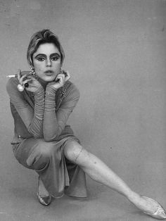 edie sedgwick // back when magazines didn't care if you had a scratch on your leg