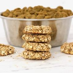 These Banana Oatmeal Cookies are the perfect, healthy treat for your sweet fur babies! They are beyond easy to make and require only simple, wholesome Low Calorie Desserts, Vegan Desserts, Diabetic Desserts, Diabetic Recipes, Vegan Keto Recipes, Vegan Gluten Free, Vegan Egg, Dog Treat Recipes, Dog Food Recipes