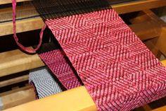 Handvävda tankar Hand Weaving, Rag Rugs, Carpets, Farmhouse Rugs, Rugs, Weaving