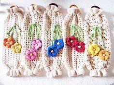 Crochet bag holder inspiration ideas for 2019 Crochet Kitchen, Crochet Home, Love Crochet, Crochet Gifts, Crochet Motif, Crochet Flowers, Knit Crochet, Crochet Patterns, Plastic Bag Crochet