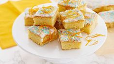 Appelsiinipalat - Yhteishyvä Cake Bars, Let Them Eat Cake, Sweet Tooth, French Toast, Cereal, Muffin, Goodies, Sweets, Candy