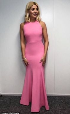 Holly Willoughby Dancing On Ice dress: Host stuns in pink floor-length sleeveless gown for week 2 of ITV series - OK! Beautiful Dresses, Nice Dresses, Prom Dresses, Beautiful Women, Beautiful Celebrities, Holly Willoughby Legs, Wedding Pants, Pink Gowns, Evening Outfits