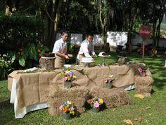 Banquetes para bodas campestres-Jose likes for dessert table
