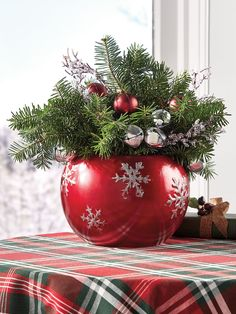This Festive Balsam Centerpiece Brings Holiday Cheer to Your Home Christmas Vases, Christmas Table Centerpieces, Christmas Garden, Christmas Door Decorations, Candle Centerpieces, Elegant Christmas, Outdoor Christmas, Simple Christmas, Beautiful Christmas