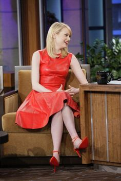 Emma Stone on the Jay Leno show! I absolutely fell in love with her dress!! | Celebrity-gossip.net
