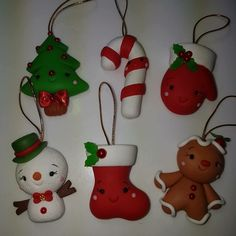 Polymer Clay Ornaments, Polymer Clay Projects, Diy Christmas Ornaments, Christmas Projects, Holiday Crafts, Holiday Decor, Polymer Clay Christmas, Cute Clay, Miniature Crafts