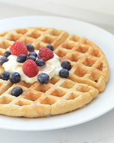 The Best Belgian Waffles (traditional with yeast) via @Leake100Days