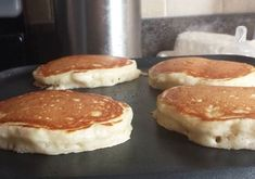 These are absolutely the best homemade pancakes we have ever eaten! serving- Ingredients cup milk 2 tablespoons white vinegar (see note) 1 cup all purpose flour 2 tablespoons white sugar (I used 1 teaspoon baking powder teaspoon baking soda Buttermilk Pancakes, Pancakes And Waffles, Pancakes Easy, Making Pancakes, Breakfast Dishes, Breakfast Recipes, Breakfast Ideas, Pancake Recipes, Crack Crackers