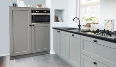 New Kitchen, Kitchen Dining, Kitchen Cabinets, Kitchen Ideas, Grey Kitchens, Cool Kitchens, Modern Kitchen Design, Interior Design Kitchen, Organizing Your Home