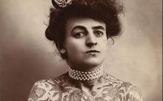 Maud Wagner in first female tattoo artist. - i doubt she's the first, though perhaps one of the first Euro/American female tattoo artists to be photographed. There have been many female tattoo artists across countless cultures. She rocks, though! Foto Portrait, Tattoo Portrait, Tattoo Photos, Woman Portrait, Female Portrait, Tattoo Images, Foto Poster, Print Poster, Female Tattoo Artists