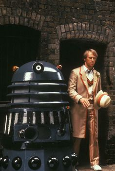 Oct 2018 - Travel back in time and uncover Classic Dr Who. See more ideas about Classic doctor who, Dr who and Doctor who. Dr Who, Great Friends, My Best Friend, Doctor Who Convention, Serie Doctor, Fifth Doctor, Peter Davison, William Hartnell, Classic Doctor Who