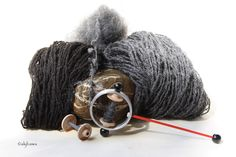 Hand spun yarn from Alpines Steinschaf (sheep breed) lamb and adult, 2ply, Tanzreif spindle from wollwolff