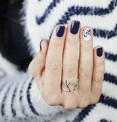 Maria's nail