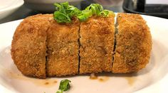 The Maui restaurant has a new fast-casual spot at Kakaako's UH Medical School Deep-fried Spam musubi is THE signature item at Da Kitchen in Kahului, Maui. Now Da Kitchen is back on Oahu. Korean Braised Short Ribs, Kalbi Ribs, Fried Spam, Portuguese Sausage, Chicken Katsu Curry, Maui Restaurants, Sriracha Aioli, Spam Musubi, Ahi Poke