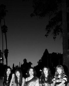 Red Velvet's Photographer Releases Never Before Seen Album Photos HQ Photos… – girl photoshoot Red Velvet Joy, Red Velvet Seulgi, Red Velvet Irene, Red Velvet Band, Kpop Girl Groups, Korean Girl Groups, Kpop Girls, K Pop, Asian Music Awards
