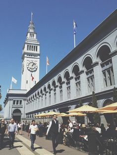 San Francisco: The Ferry Building Market Place #theeverygirl