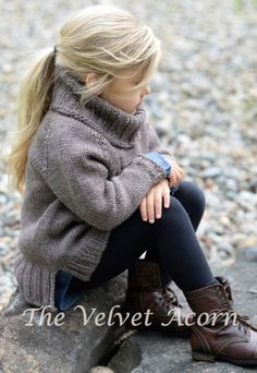 Palmyre Pullover by Velvet Acorn. Worsted weight yarn on & with lots of positive ease. Knitting For Kids, Baby Knitting, Mode Outfits, Girl Outfits, Velvet Acorn, Kid Styles, Fashion Kids, Fashion 2020, Korean Fashion