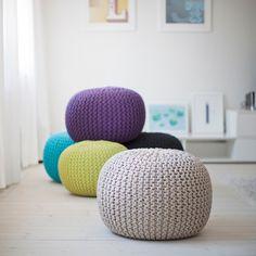 Svenssons i Lammhult - Möbler - Fotpallar / Knit sittpuff / beige