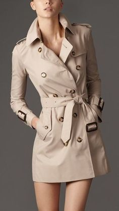 trench coat outfit – Steal The Real: Burberry Trench Coat Look Alike Brands Trench Coat Outfit, Short Trench Coat, Classic Trench Coat, Burberry Trench Coat, Trench Coat Women, Women's Trench Coats, Burberry Shorts, Burberry Scarf, Mode Mantel