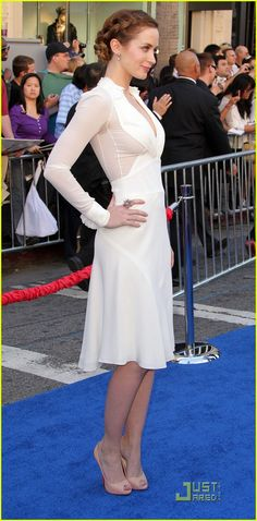 That Emily Blunt hair, and this dress transparency <3