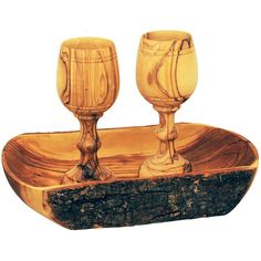 High quality elegantly made in the town of Yeshua / Jesus birth, Bethlehem a beautiful Olive Wood Lord's Supper Cups with bread tray. Made in the Holy Land. Shipped direct from Jerusalem. Communion Trays, Lords Supper, In Remembrance Of Me, Birth Of Jesus, Bethlehem, Holy Land, Scroll Saw, Christian Gifts, The Covenant