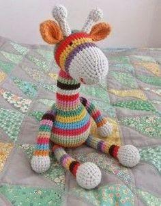 I Love Buttons By Emma: Crochet amigurumi Giraffe Pattern free Cute Crochet, Crochet For Kids, Crochet Crafts, Crochet Dolls, Crochet Projects, Knit Crochet, Ravelry Crochet, Easy Crochet Animals, Crochet Frog