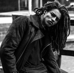 """jilkos: """"Malcolm Evans photo by Brandon Andre """" Dreadlock Hairstyles For Men, Dreadlock Styles, Black Men Hairstyles, Dreads, Natural Hair Men, Natural Hair Styles, Long Hair Styles, Afro Men, Beautiful Dreadlocks"""