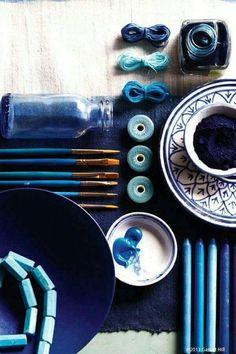 / shades of blue Azul Indigo, Bleu Indigo, Mood Indigo, Pantone, Simbolos Nova Era, Everything Is Blue, Himmelblau, Colour Board, Turquoise