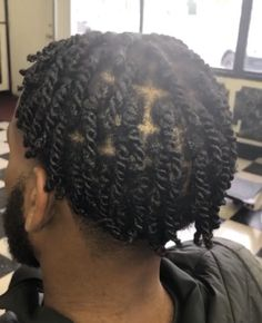 Twist Hair Men, Hair Twist Styles, Twist Curls, Twist Braids, Dreadlock Hairstyles For Men, Dreadlock Styles, Twist Braid Hairstyles, Twist Hairstyles, Braids With Fade