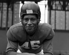 Emlen (Em) Tunnell in 1948 became the first African American player for the New York Giants.