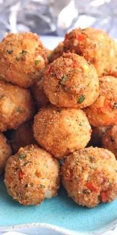 Recipe For Ultimate Party Crab Bites - A crab laden, cheesy creamy center encased in a crispy fried breadcrumb shell. Everything a party appetizer should be. Finger Food Appetizers, Yummy Appetizers, Appetizers For Party, Appetizer Recipes, Parties Food, Holiday Parties, Crab Appetizer, Christmas Eve Appetizers, Think Food