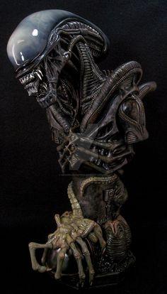 Giger Alien bust - by ~mangrasshopper Alien Vs Predator, Predator Movie, Predator Art, Hr Giger Alien, Hr Giger Art, Art Alien, Alien Film, Alien 1979, Les Aliens