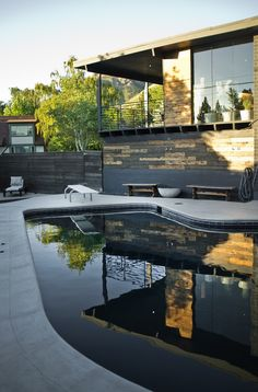 Cool house and I love it. Simply inspirational by www.ConfidentLiving.se!